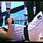 デロン・ウィリアムス マブスデビュー戦で左膝を負傷